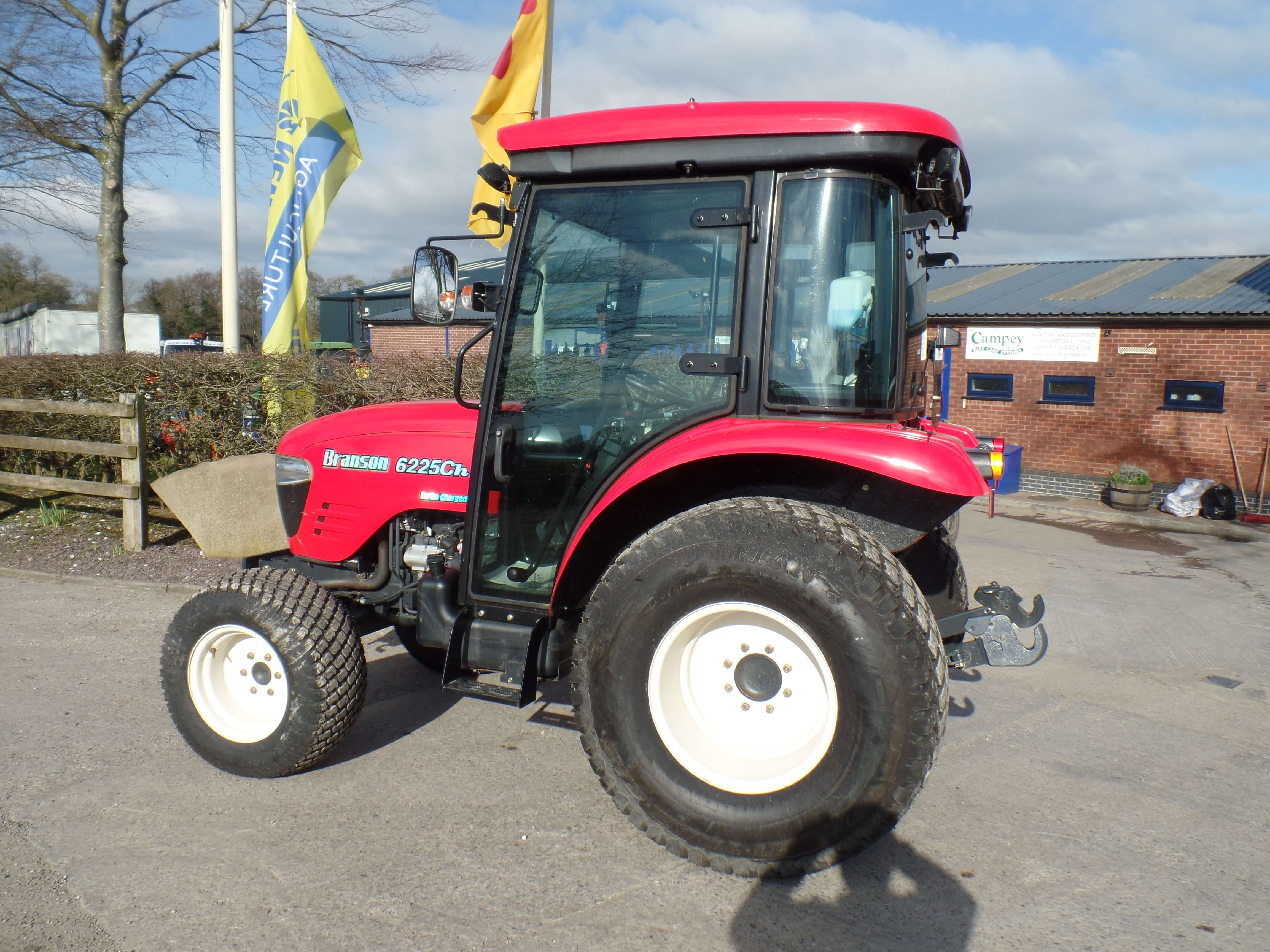 Branson 6225Ch Tractor NEW - Campey Turf Care Systems