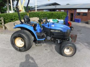 New Holland TC27D Tractor U4247