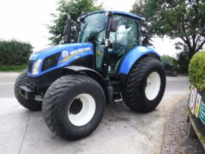 New Holland T5-105 Tractor U4256