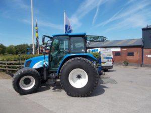 New Holland TL90 Tractor U4393