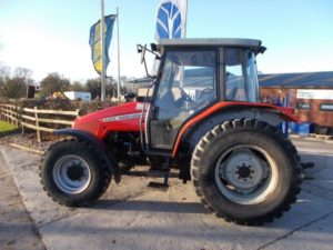 Massey Ferguson 4335 Tractor U4593