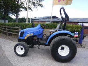 New Holland Boomer 3050 Tractor U4300