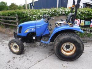 New Holland TC27D Tractor U4411