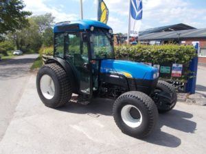 New Holland TN95FA Tractor U4430